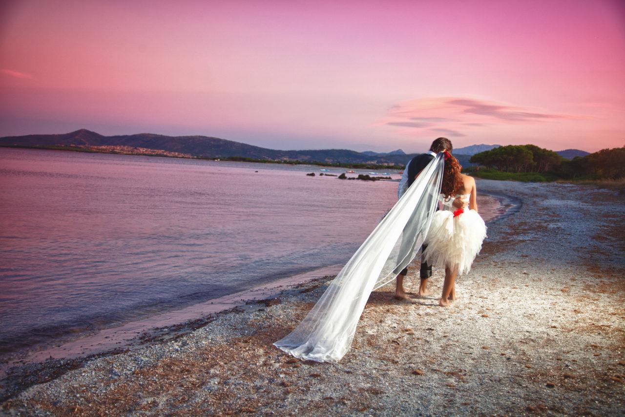 Wedding Book, due sposi in riva al mare olbiese. Foto scattata dal fotografo Giuseppe Ortu a Olbia