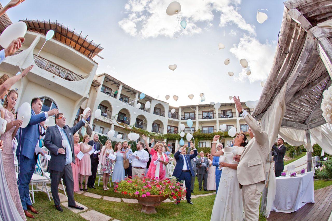 Festeggiamenti matrimoniali. Foto scattata da Giuseppe Ortu fotografo specializzato in matrimoni a Olbia